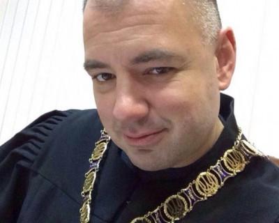 Докатился украинский судья: ни законов, ни людей не признаёт (фото, документ)