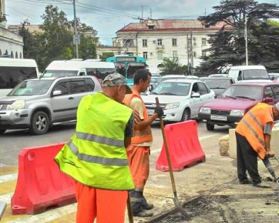 Дорога ложка к обеду, а дороги в Севастополе - к приезду начальства?