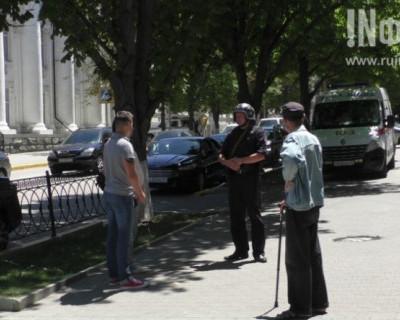 Молния! В Севастополе заминировано в районе здания Правительства