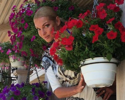 В Крыму прошли благотворительные концерты известной балерины Анастасии Волочковой