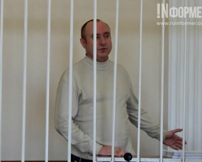 В севастопольском суде Геннадий Басов держится достойно