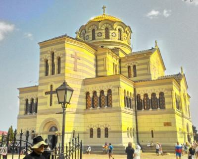Символ духовного возрождения и объединения народов прибыл в Севастополь