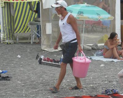 Крым. Лето 2016. Чем торгуют на пляжах...или мода пляжных торговцев