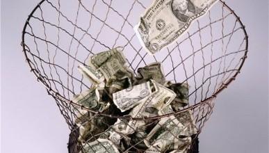 Поддерживаешь экономику России? Откажись от долларов!