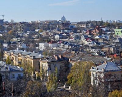 И это величественный Севастополь? Не городские улицы, а трущобы 19 века!