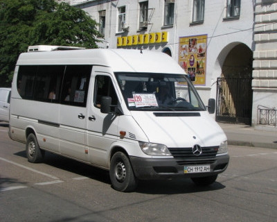 Правительство Севастополя приняло решение о сокращении в городе числа маршрутов общественного транспорта с 97 до 89