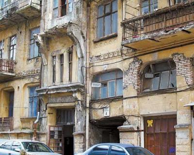 Севастопольцы продолжают тему аварийного жилья