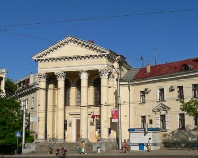 Куда утекают денежные средства, выделенные на ремонт Первой горбольницы Севастополя?