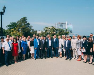 «Единая Россия» Севастополя и Крыма собрались на расширенном заседании политсовета