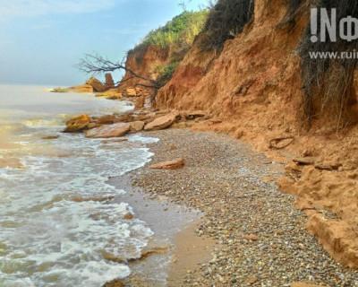 Прекрасные пляжи западного побережья Севастополя – это уходящая натура?