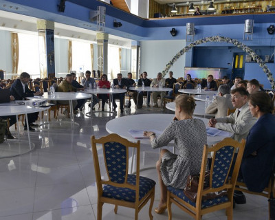 Одурманенные «Весной» обсудили выгодные проблемы севастопольских предпринимателей?