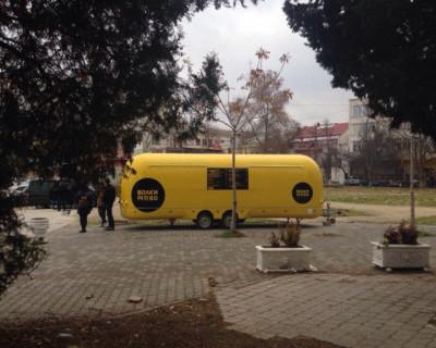 Где в Севастополе ресторатор Николаев «влепил» фургон с бутербродами и кофе?