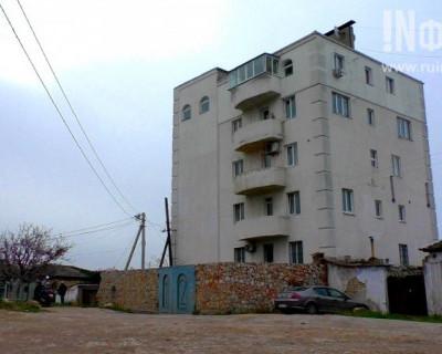 Севастополь, Гусева,12: два взгляда на снос одного дома