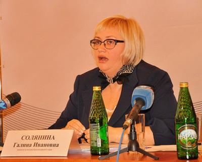 Зачем Солянина назначила открытие городской Новогодней ёлки в Севастополе на будний день?