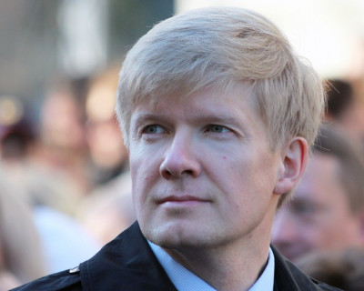 Кто подставляет севастопольского чиновника Пономарева?