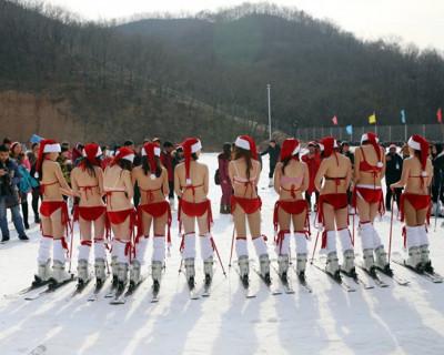 Топ-10 Снегурочек и помощниц Санта-Клауса, которые заслужили лайк от «ИНФОРМЕРа»