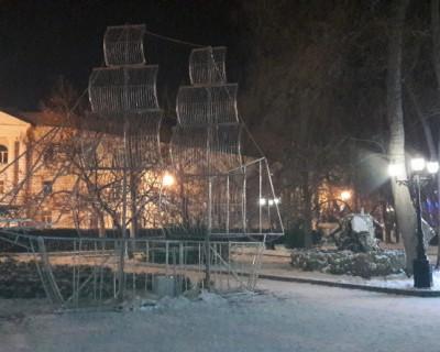 В Севастополе ржавеет парусник одинокий