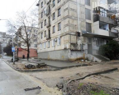 Севастопольцев умело водят за нос по раздробленным дорогам