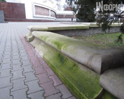 Севастополь крошится, сыпется и покрывается мхом