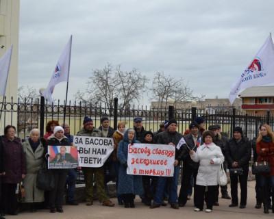 «Русский блок» вышел на митинг против беззакония в Севастополе