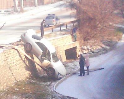 В Севастополе мимо голов чиновников пролетают автомобили?!