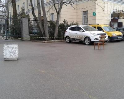 Нетривиальное решение севастопольских медработников, или загадочная миссия стула