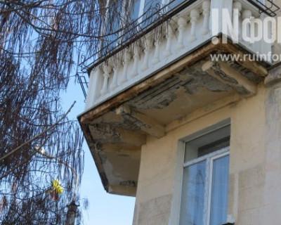 Кара свыше: за что севастопольский чиновник наказывает севастопольцев?