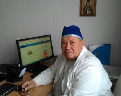 Севастопольский доктор, возвращающий людям красоту