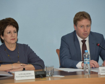 Алтабаева: «Севастополь не курортно-туристический центр». Овсянников не согласен