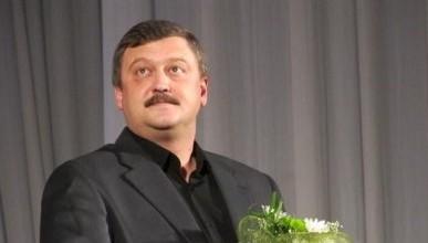 Севастопольцы не понимают, чем занимается усатый депутат Заксобрания