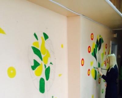 В детских поликлиниках Севастополя продолжают появляться пёстрые стены с мультяшками