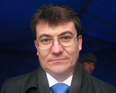 Политические метания «профессионального общественника» Комелова