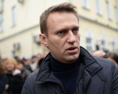 Навальный получил повестку от большого человека