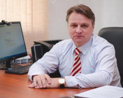 Лайфхак от севастопольского чиновника: как стать лучшим и получить планшет?