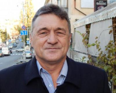 Депутат Севастополя Караваев разевает рот на «изумрудный» каравай?