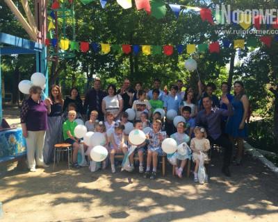 Севастопольские общественники и предприниматели поздравили детей из Социального приюта