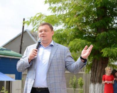 Евгений Кабанов поздравил воспитанников подшефного детского сада