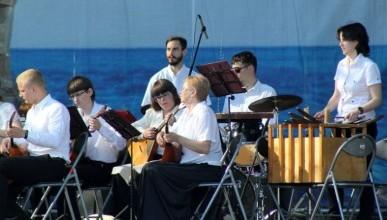 Праздничный концерт с патриотической тематикой собрал сотни севастопольцев