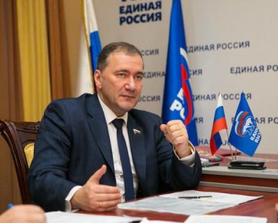 Депутат Госдумы РФ Дмитрий Белик доложил министру образования о текущих делах в Севастополе