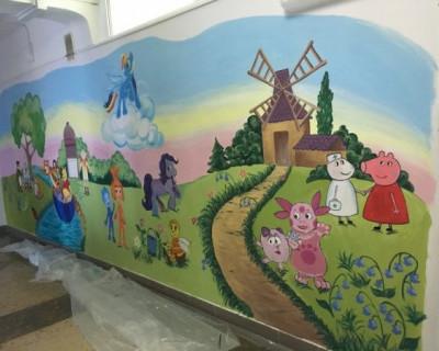 «Сказочная страна героев» украсит стены детского комплекса Севастополя