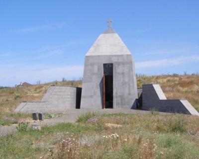 Почему останки погибших воинов замурованы в фундамент частной часовни в Севастополе?