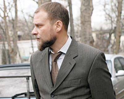 В Севастополе вместо травы на газонах Чибисов «косит бабло» со строительных компаний?