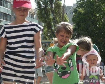 Севастопольцы из Фонда социально-ориентированного бизнеса открыли третью за полгода детскую площадку
