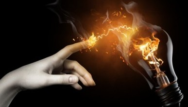 Чаловские «умные» сети и лампочки: сила тока и денег нет?