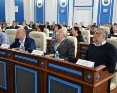 Севастопольские депутаты одобрили скандальный проект стратегии развития города