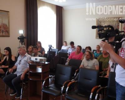 Севастопольцы говорят «спасибо» сотрудникам «Мобильного медицинского центра» и лично Евгению Кабанову