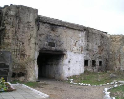Севастопольские махинаторы из чаловского «музея» на 35-й батарее?