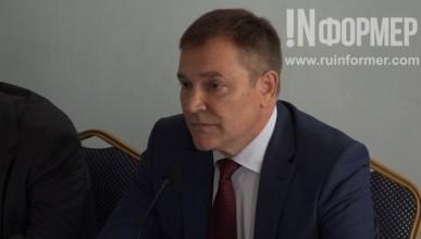 В Севастополе Вадим Колесниченко ищет заказчиков сомнительной газетёнки и исполнителей