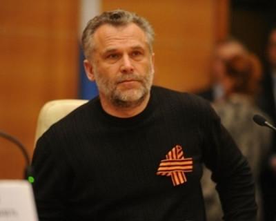 Насыщенная жизнь черного свитера Алексея Чалого