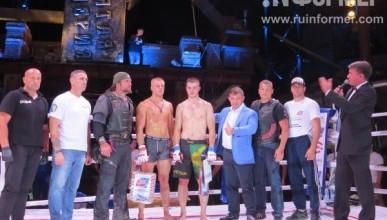 Организаторы и меценат наградили спортсменов ММА за зрелищный «Бой за Русский реактор»